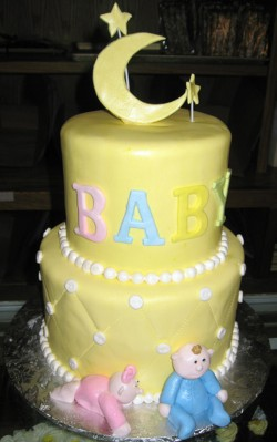 Baby shower cake with moon
