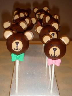 Amazing bear cake pops