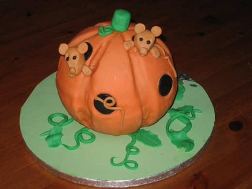 Birthday pumpkin cake