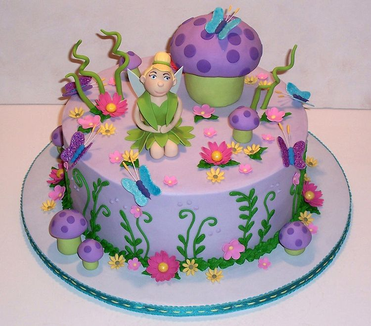 cute tinkerbell cake