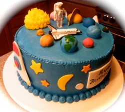 Cute planet cake