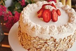 Italian cream cake with rum