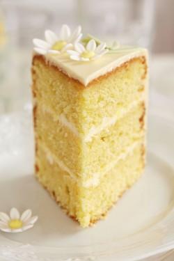 Madeira Limoncello cake