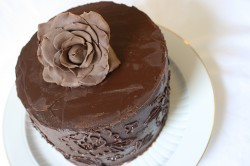Mud cake with chocolate rose