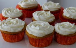 Pumpkin cupcakes with cheese frosting