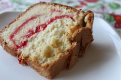 Strawberry cream pound cake