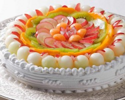 Sweet cake with fruits