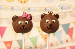 Twin bear cake pops