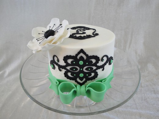 Mini cricut cake