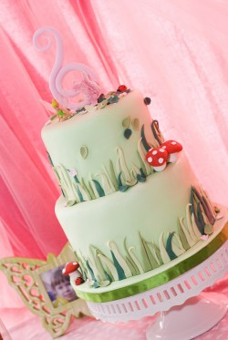 2 tier cake with Tinkerbell