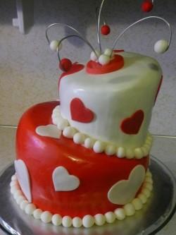 2 tiers Valentine's day cake