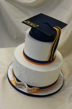 2 tiers graduation cake