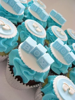 Baby shower's blue cupcakes