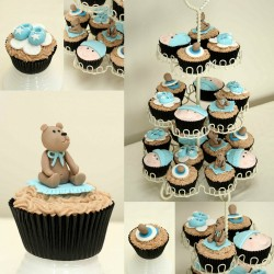 Baby shower cupcakes with bear