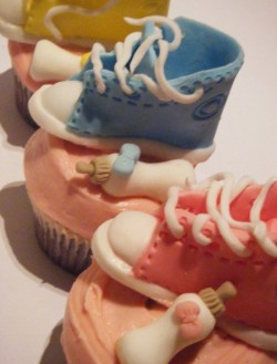 Baby shower cupcakes with booties