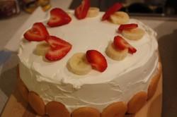 Banana and strawberry cake