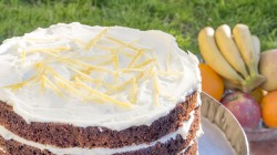 Banana cake with lemon