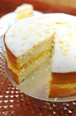 Cake with lemons