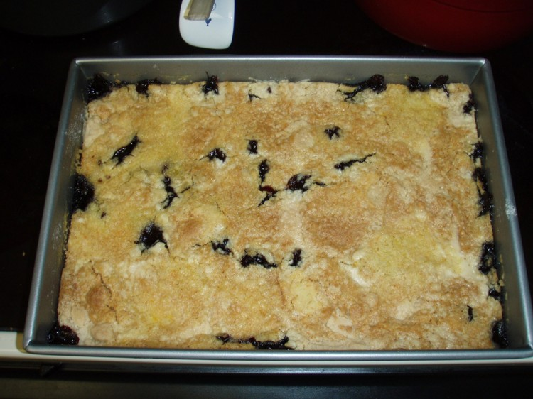 Dump cake with berries
