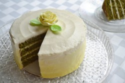 Fantastic white and yellow lemon cake