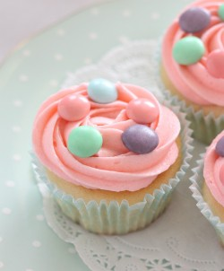 Pink Easter cupcakes