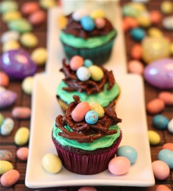 Tasty Easter cupcakes