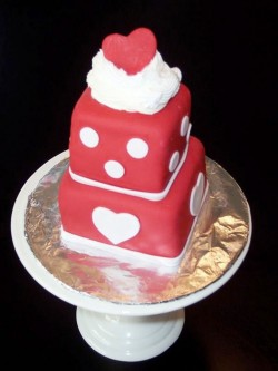 Valentine's day fondant mini cake