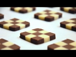 How to shape Checkerboard cookies