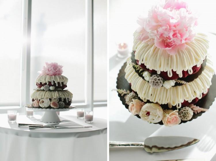 2 tier bundt cake