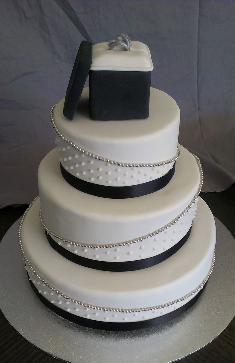 3 tier engagement cake