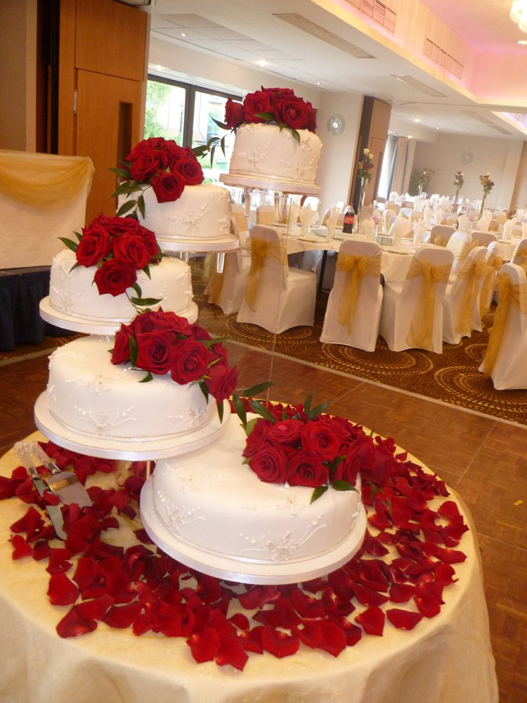 5 Tier Wedding Cake With Red Roses