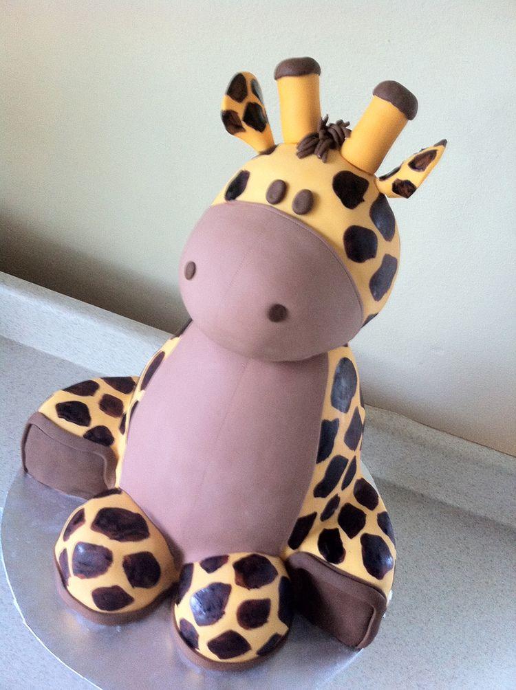 baby shower cake giraffe