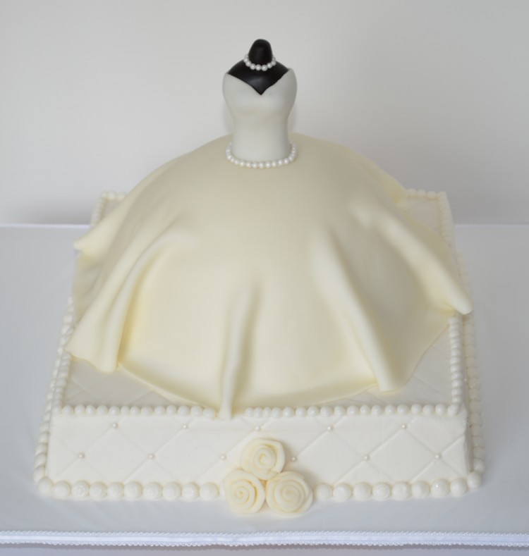 Cake Decorations For Wedding Shower : Bridal shower dress cake