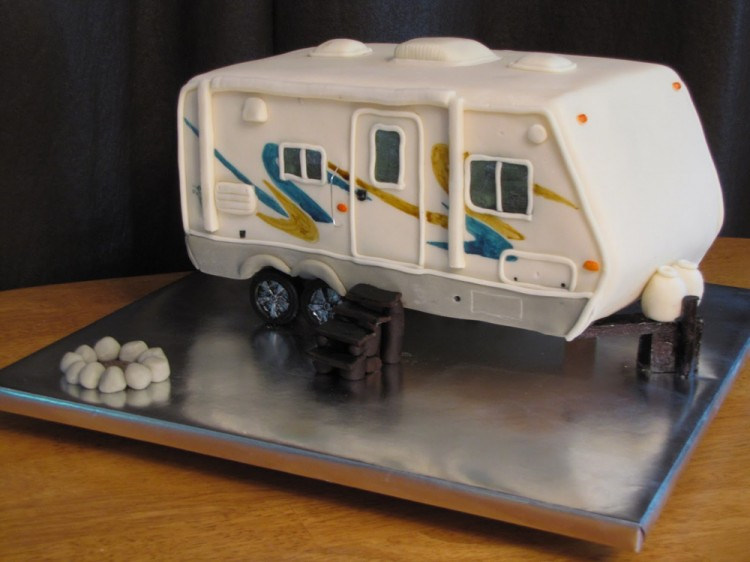 Groom's cake –  camper