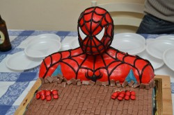 Creative Spiderman cake