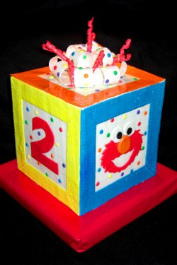 Elmo box cake