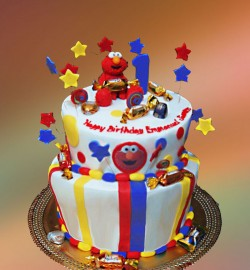 Elmo cake with candies