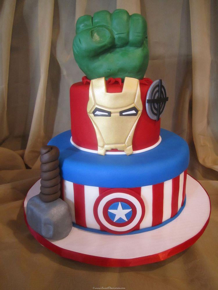 Fondant groom cake