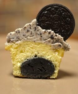 Inside Oreo cupcake