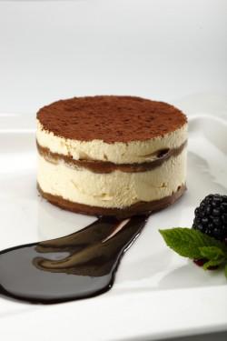 Mini tiramisu cake
