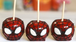 3 Spider man cake pops