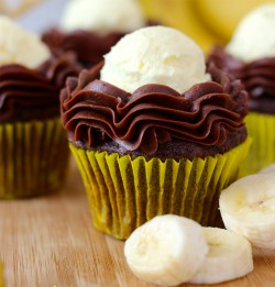 Banana cupcake with chocolate frosting