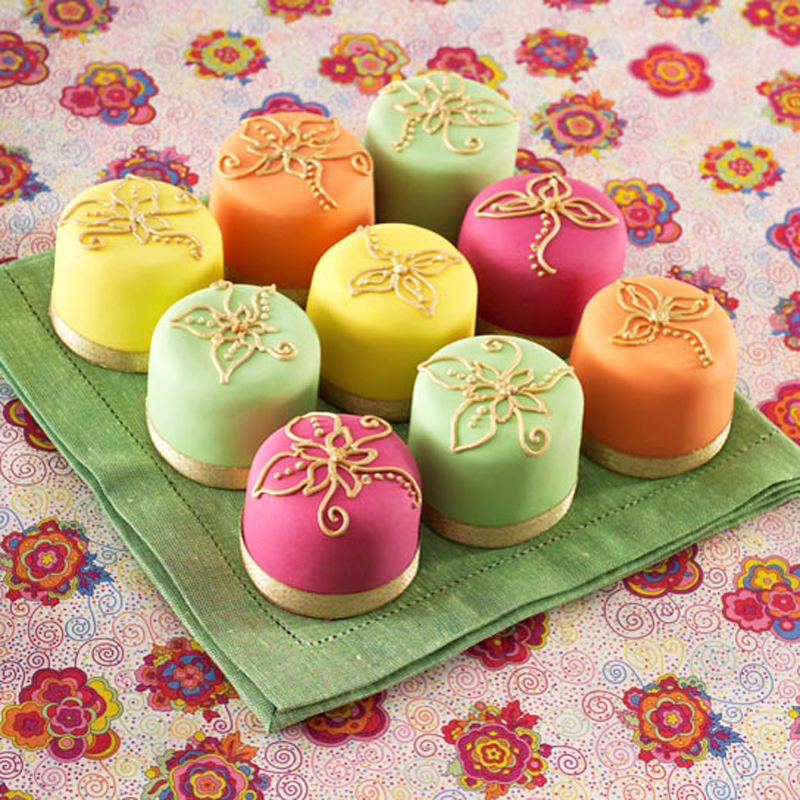 Colored mini cakes