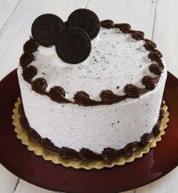 Oreo cake chocolate frosting