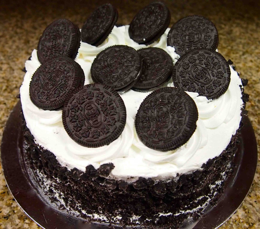 Frozen Chocolate Oreo Cake