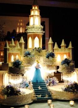 Quinceanera cake – cinderella castle