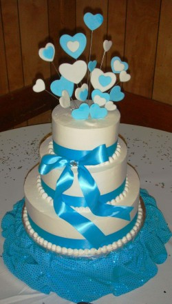 Quinceanera cake with hearts