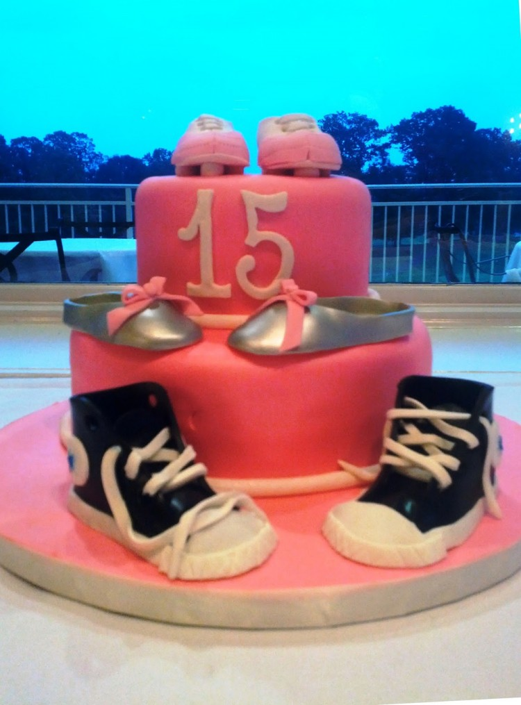Quinceanera cakes with shoes