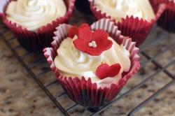 Red cupcake flower