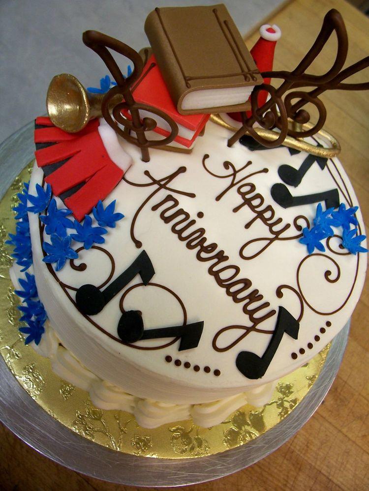 Amazing fondant anniversary cake
